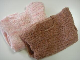 ウールとシルクモヘアの手編みセーター