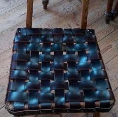 椅子の座面を再び張り替えました!